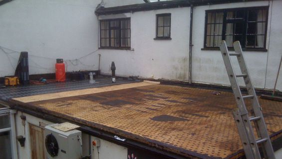A roof ready to under go maintenance